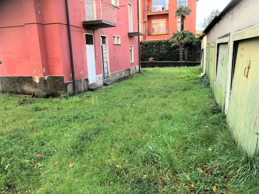 Appartamento in vendita a Longone al Segrino, 4 locali, prezzo € 50.000   PortaleAgenzieImmobiliari.it