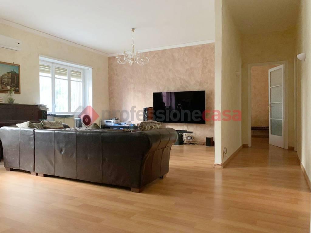 Appartamento in Vendita a Catania Centro: 4 locali, 145 mq