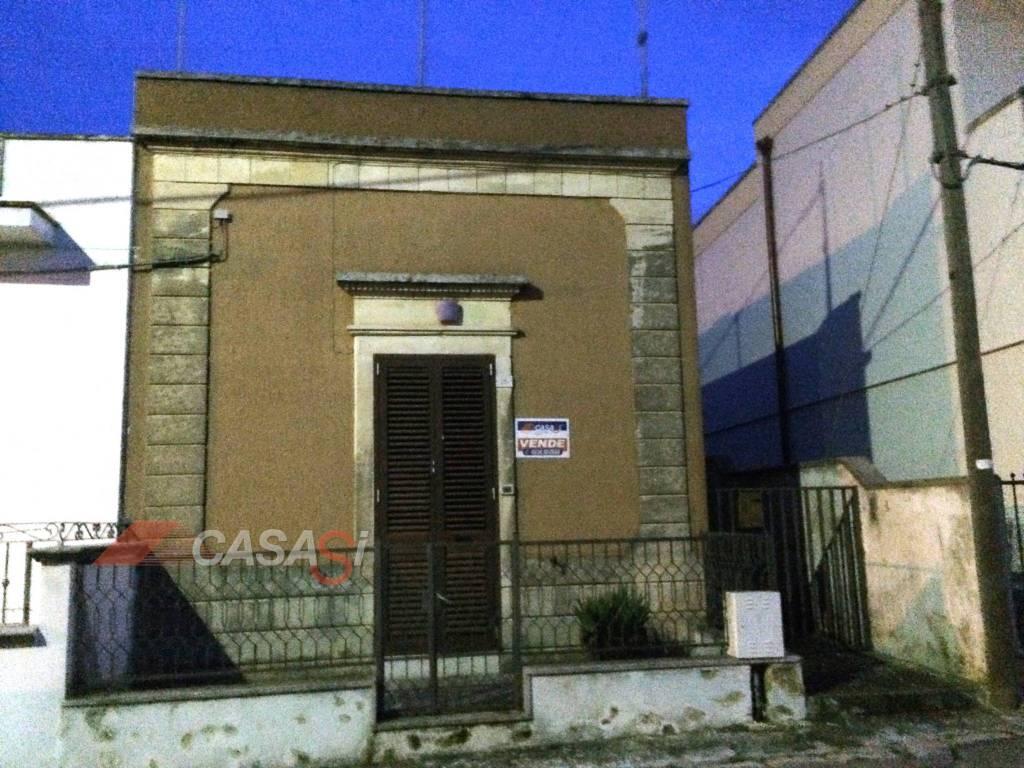 Appartamento in vendita a Giurdignano, 7 locali, prezzo € 80.000 | PortaleAgenzieImmobiliari.it