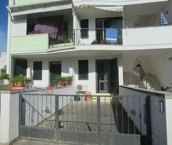 Appartamento in vendita a Uggiano La Chiesa, 3 locali, prezzo € 95.000 | PortaleAgenzieImmobiliari.it