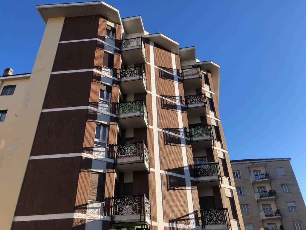 Foto 1 di Negozio via Gian Battista Rossi, Pinerolo