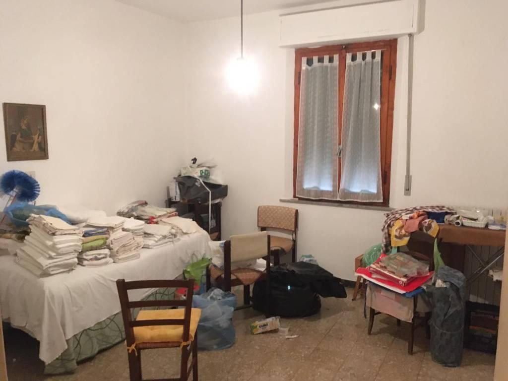 Appartamento in Vendita a Pontedera Semicentro: 5 locali, 100 mq