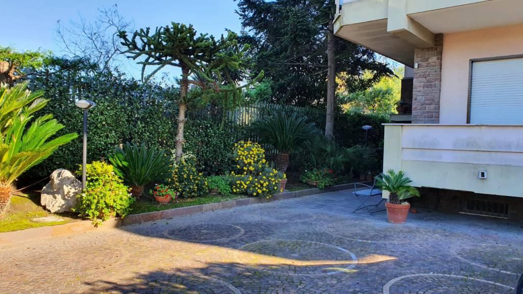 Appartamento in affitto a Pozzuoli, 4 locali, prezzo € 850 | CambioCasa.it