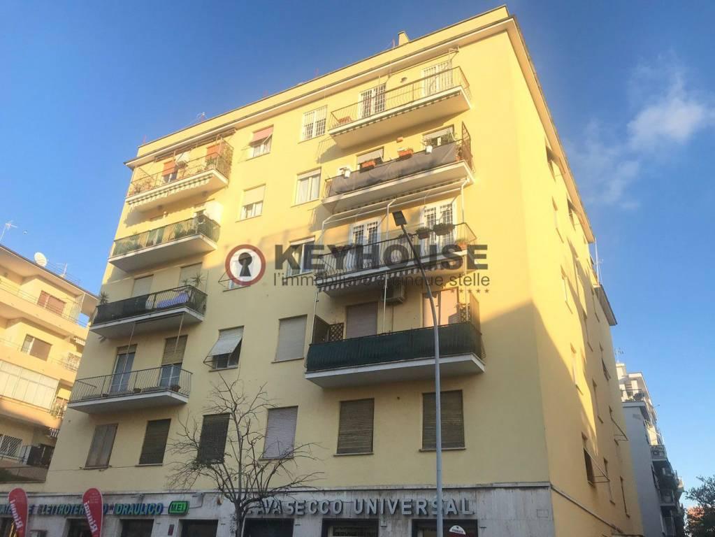 Appartamento in vendita a Roma, 3 locali, zona Zona: 24 . Gianicolense - Colli Portuensi - Monteverde, prezzo € 537.000   CambioCasa.it