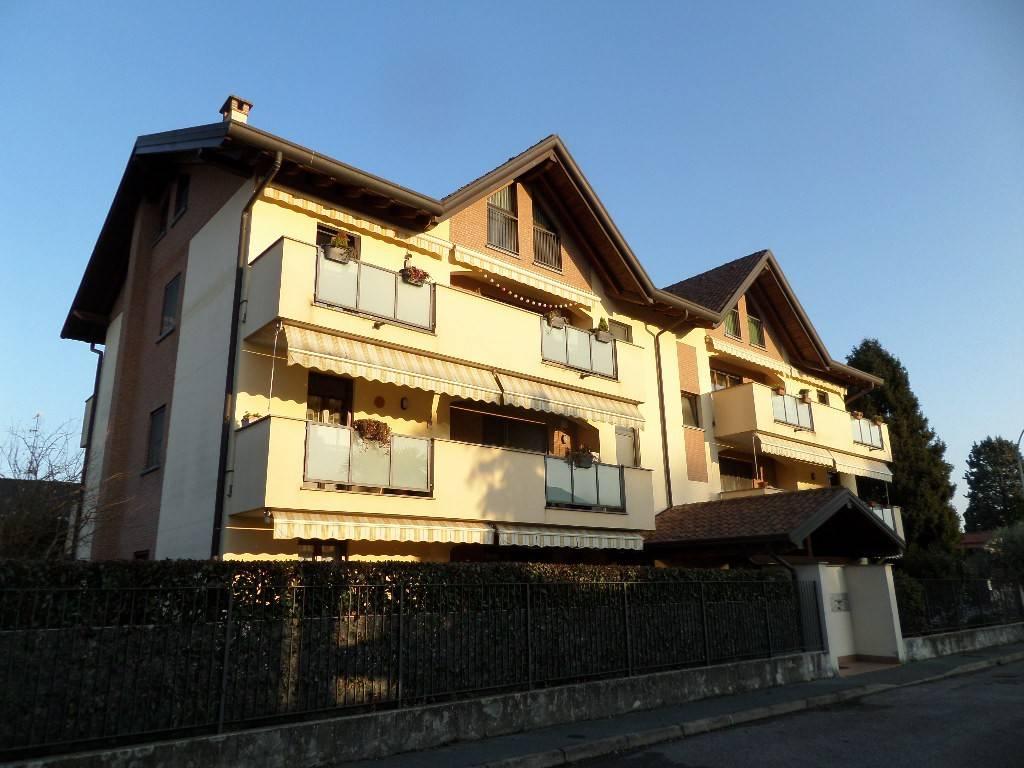 Appartamento in vendita a Rescaldina, 2 locali, prezzo € 140.000 | CambioCasa.it