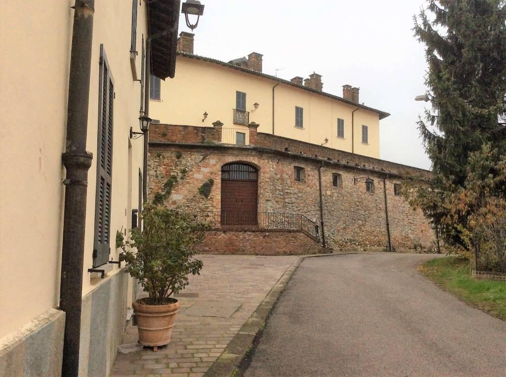 Appartamento in Vendita a Castana: 2 locali, 54 mq