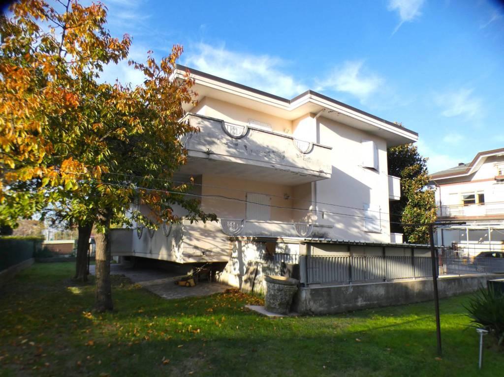 Appartamento in vendita a Riccione, 4 locali, prezzo € 220.000 | PortaleAgenzieImmobiliari.it