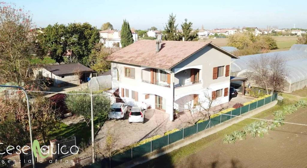 Casa indipendente in Vendita a Cesenatico Centro: 5 locali, 694 mq