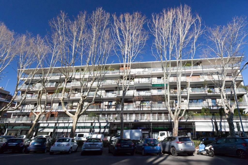 Attico / Mansarda in vendita a Roma, 10 locali, zona Zona: 22 . Eur - Torrino - Spinaceto, prezzo € 1.090.000 | CambioCasa.it