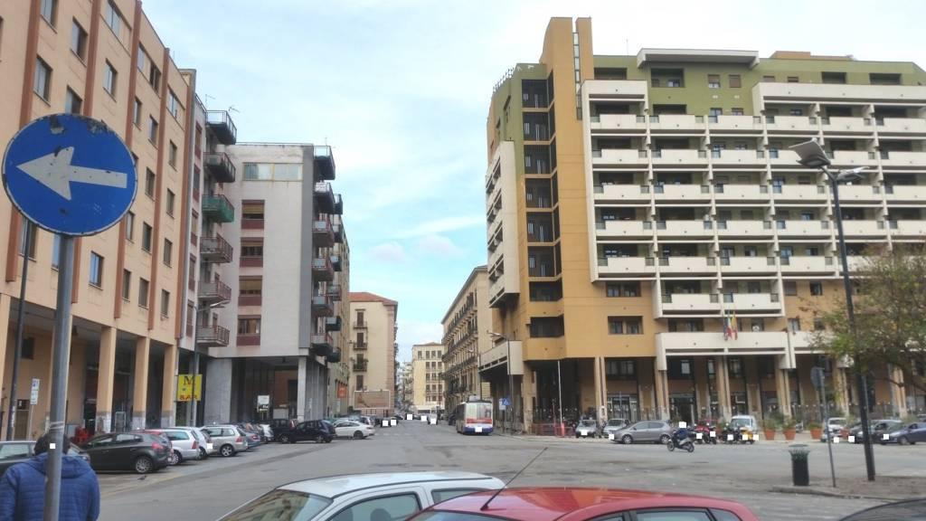 Appartamento in Vendita a Palermo Centro: 5 locali, 170 mq