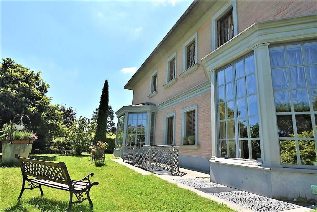 Villa in vendita a Vizzolo Predabissi, 7 locali, Trattative riservate | CambioCasa.it