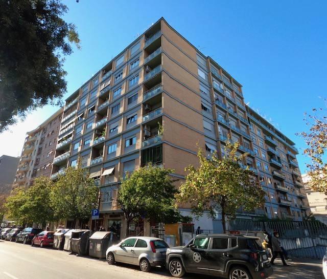 Appartamento in vendita a Roma, 1 locali, zona Zona: 23 . Portuense - Magliana, prezzo € 169.000 | CambioCasa.it