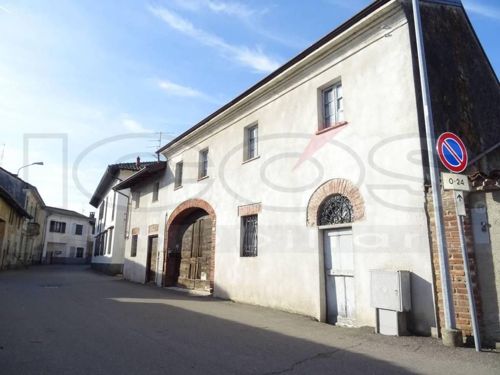 Villa in vendita a Tornaco, 9 locali, Trattative riservate | CambioCasa.it