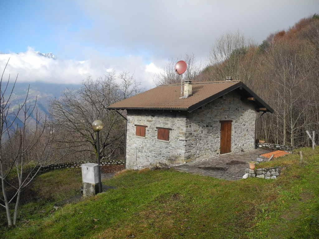 Rustico / Casale in affitto a San Giovanni Bianco, 3 locali, prezzo € 500   CambioCasa.it