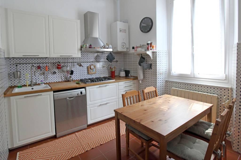 Appartamento in vendita a Chiavari, 7 locali, prezzo € 375.000   CambioCasa.it