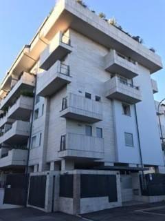Appartamento in Vendita a Monza viale europa