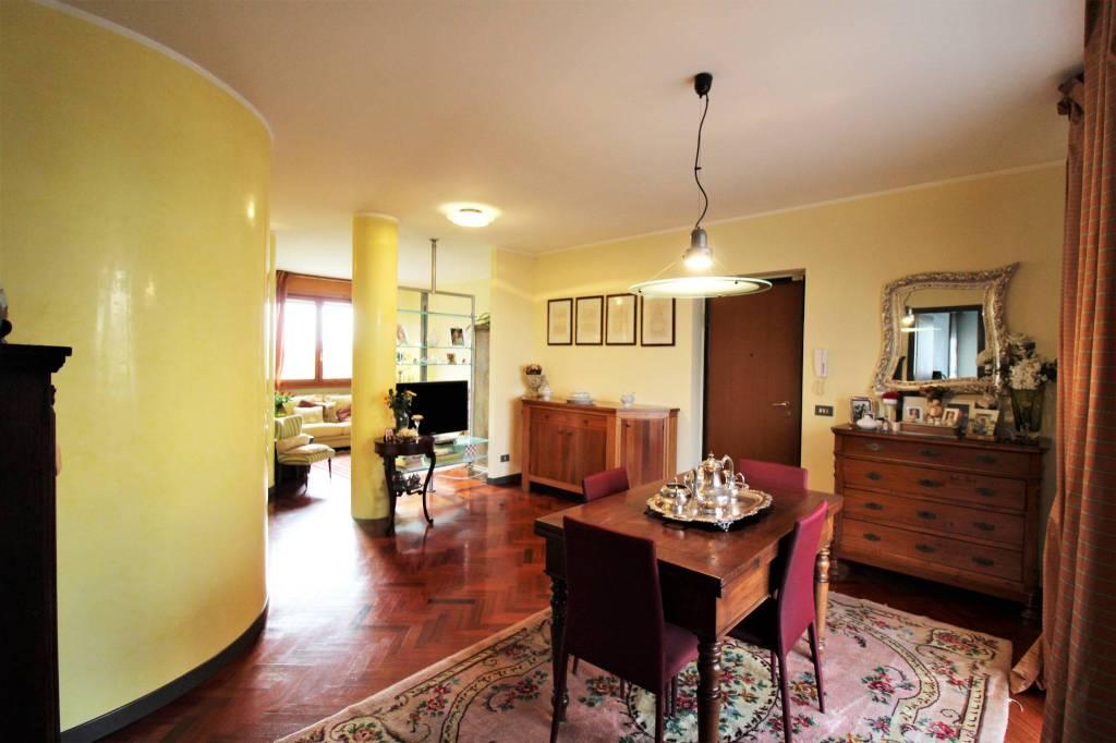 Appartamento in Vendita a Parma Centro: 4 locali, 118 mq
