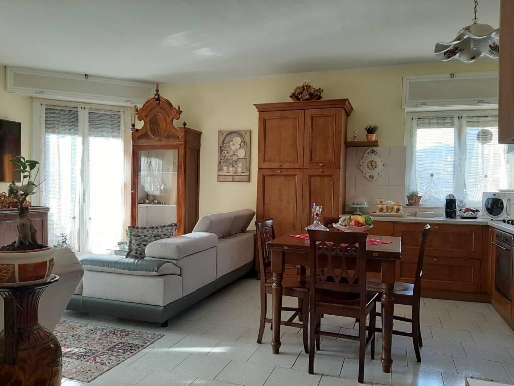 Appartamento in vendita a Lodi, 3 locali, prezzo € 125.000 | CambioCasa.it