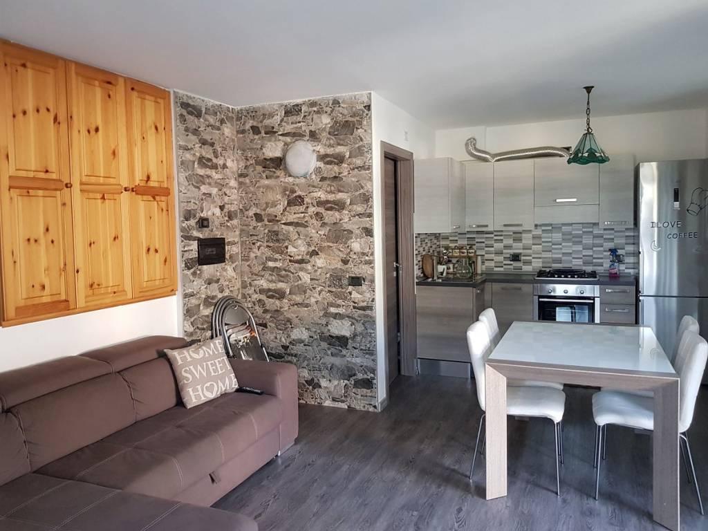 Appartamento in vendita a Caspoggio, 3 locali, prezzo € 165.000 | CambioCasa.it