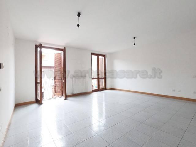 Appartamento in vendita a Dairago, 3 locali, prezzo € 79.000 | PortaleAgenzieImmobiliari.it