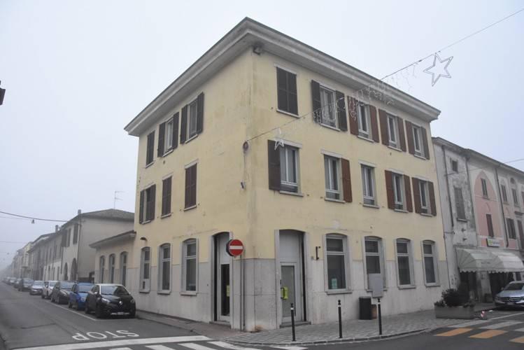 Ufficio / Studio in Vendita a Canneto sull'Oglio