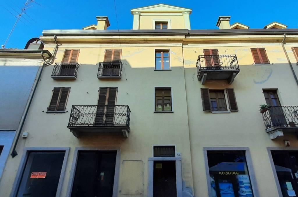 Appartamento in vendita a Santhià, 5 locali, prezzo € 69.000 | CambioCasa.it