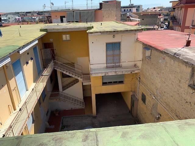 Palazzo / Stabile in Vendita a Melito di Napoli