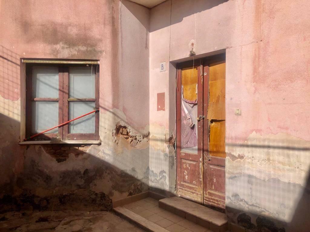 Appartamento in vendita a Catania, 2 locali, prezzo € 25.000 | PortaleAgenzieImmobiliari.it