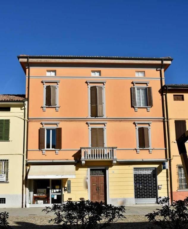 Appartamento in vendita a Baricella, 5 locali, prezzo € 165.000   CambioCasa.it