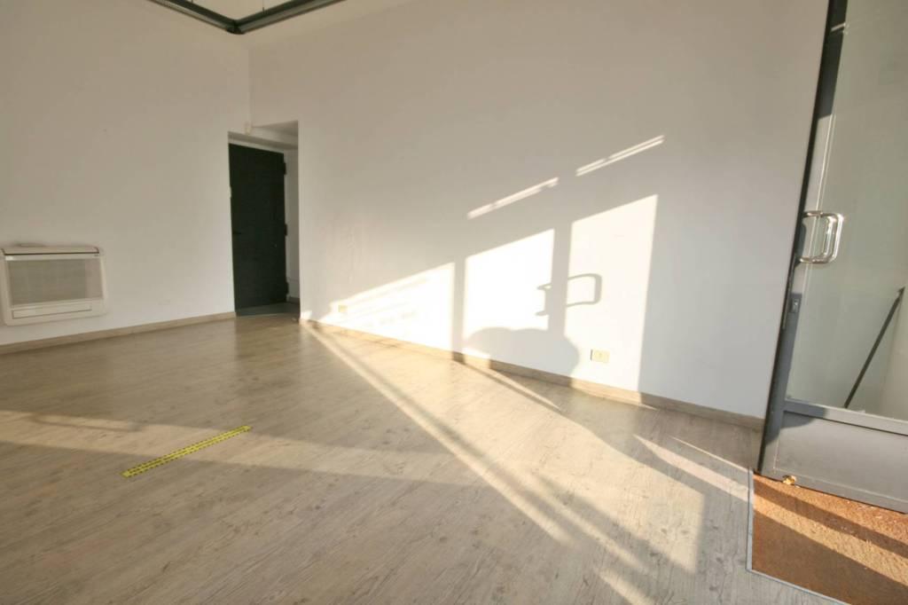 Negozio / Locale in affitto a Erba, 1 locali, prezzo € 500 | PortaleAgenzieImmobiliari.it