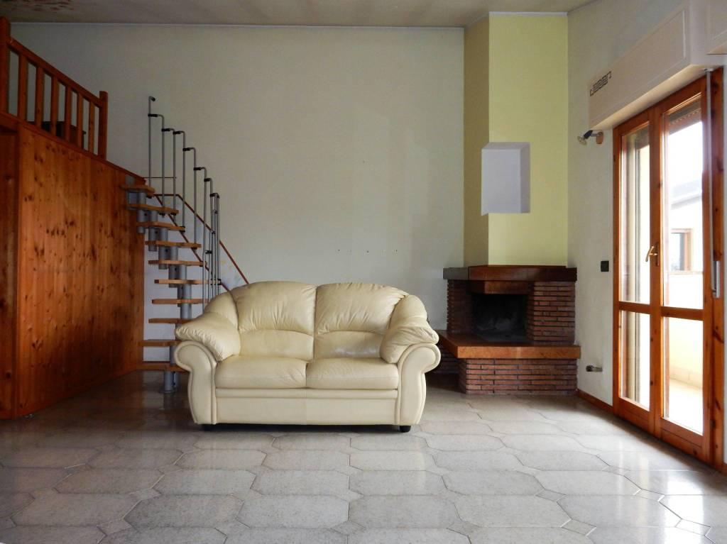 Attico / Mansarda in vendita a Villa Cortese, 1 locali, prezzo € 65.000 | PortaleAgenzieImmobiliari.it