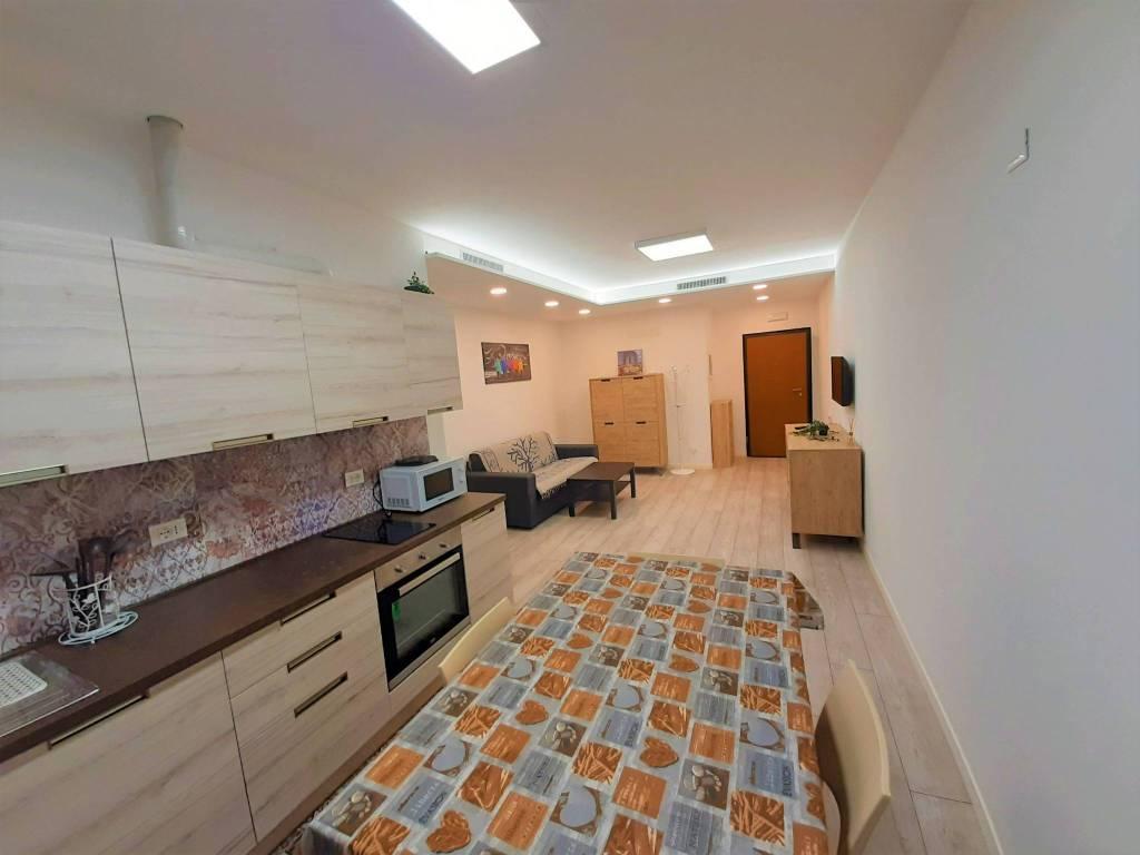 Appartamento in affitto a Carobbio degli Angeli, 2 locali, prezzo € 700 | CambioCasa.it