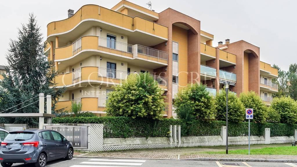Appartamento in vendita a Santo Stefano Ticino, 7 locali, prezzo € 680.000   CambioCasa.it