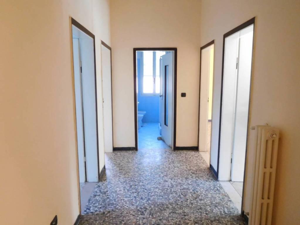 Appartamento in Vendita a Modena Periferia Est: 4 locali, 110 mq