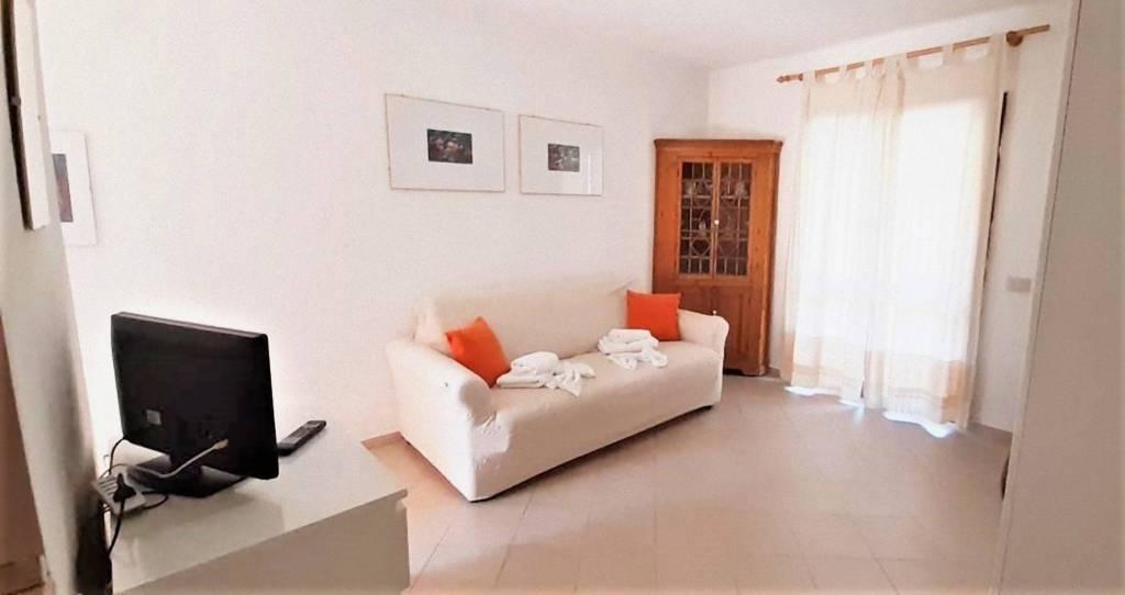 Appartamento in vendita a Golfo Aranci, 1 locali, Trattative riservate | CambioCasa.it