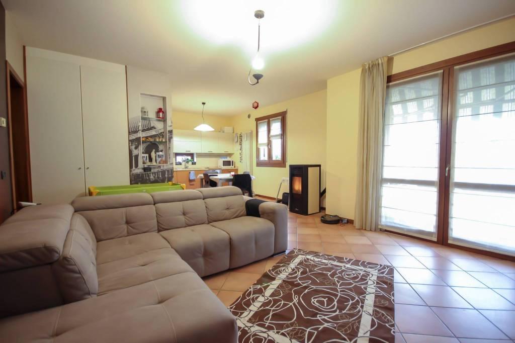 Appartamento in vendita a Torri di Quartesolo, 5 locali, prezzo € 229.000 | CambioCasa.it