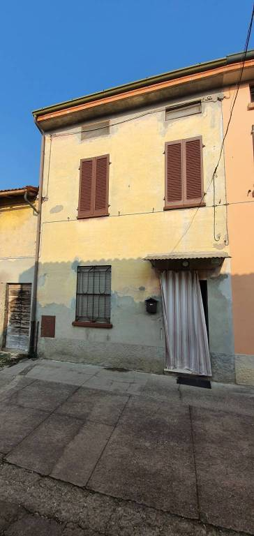 Soluzione Indipendente in vendita a Gadesco-Pieve Delmona, 4 locali, prezzo € 53.000 | PortaleAgenzieImmobiliari.it