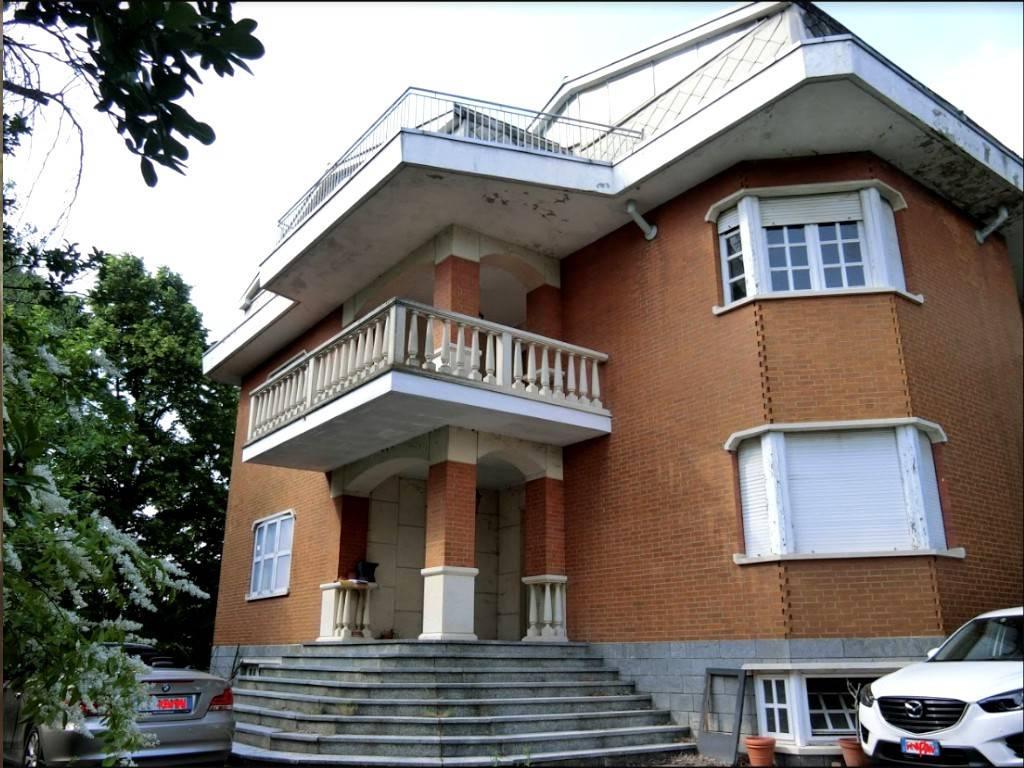Villa in vendita a Chieri, 7 locali, prezzo € 180.000 | PortaleAgenzieImmobiliari.it