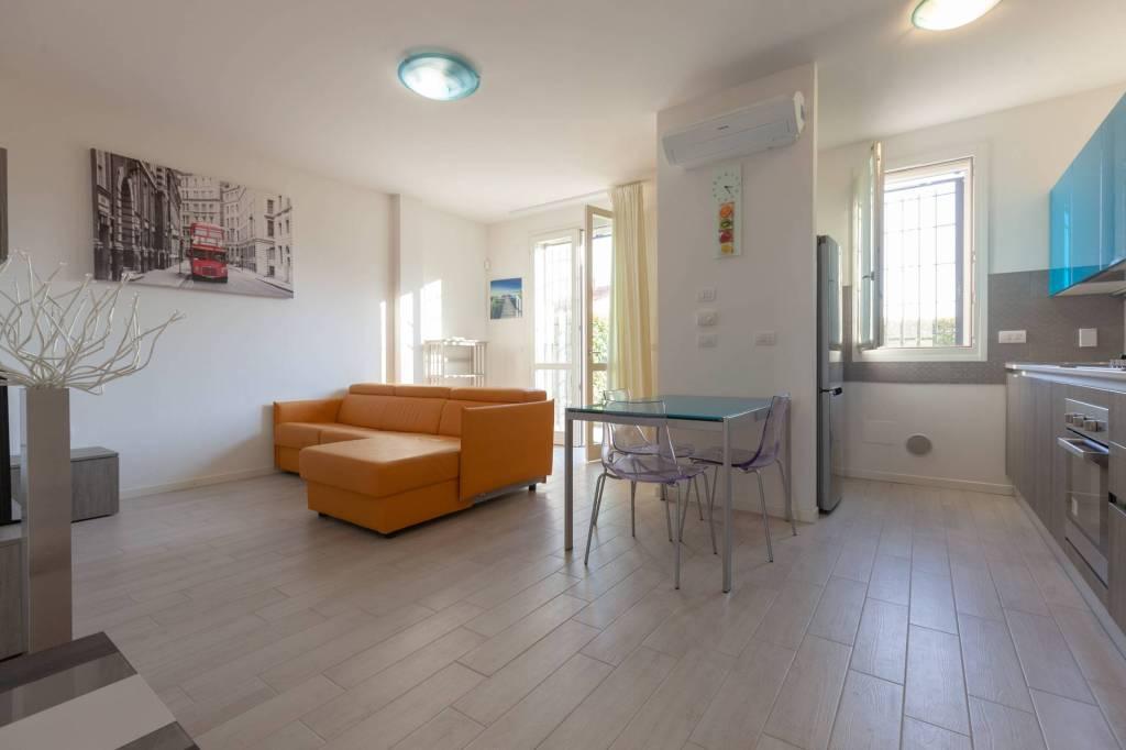 Appartamento in affitto a Casalecchio di Reno, 5 locali, prezzo € 1.150 | CambioCasa.it