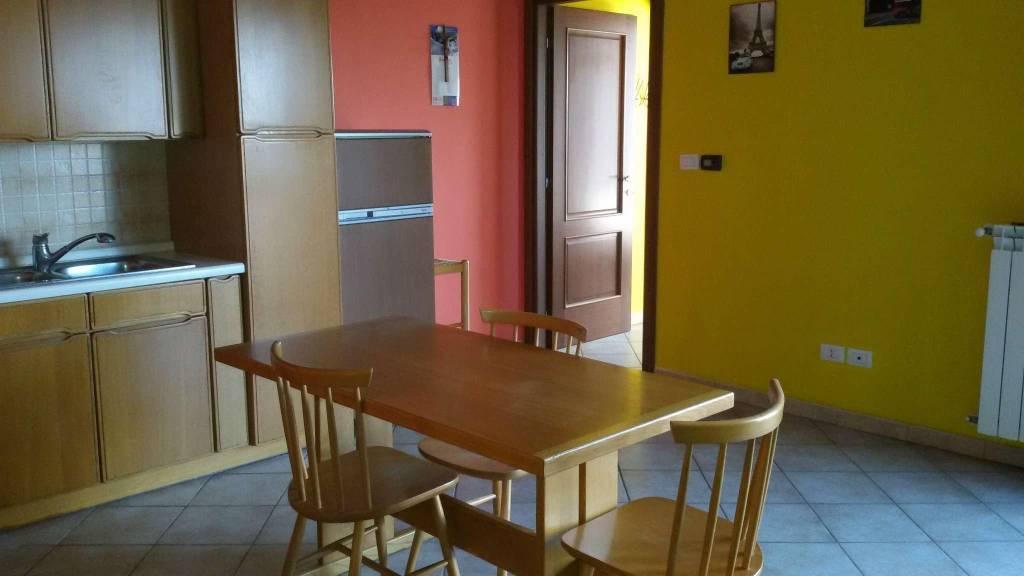 Appartamento in affitto a Leini, 2 locali, prezzo € 530 | CambioCasa.it