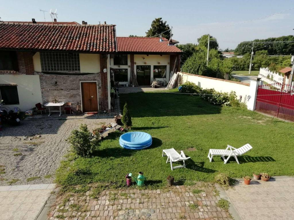 Rustico / Casale in affitto a Maglione, 15 locali, prezzo € 2.000 | CambioCasa.it