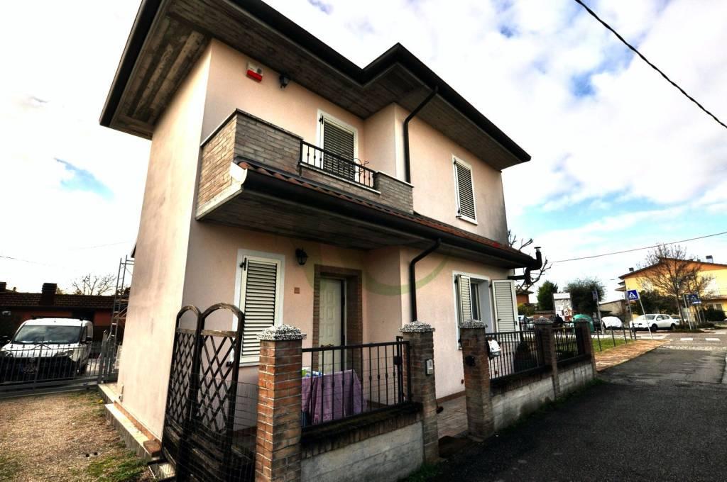 Casa indipendente in Vendita a Gatteo Centro: 3 locali, 107 mq