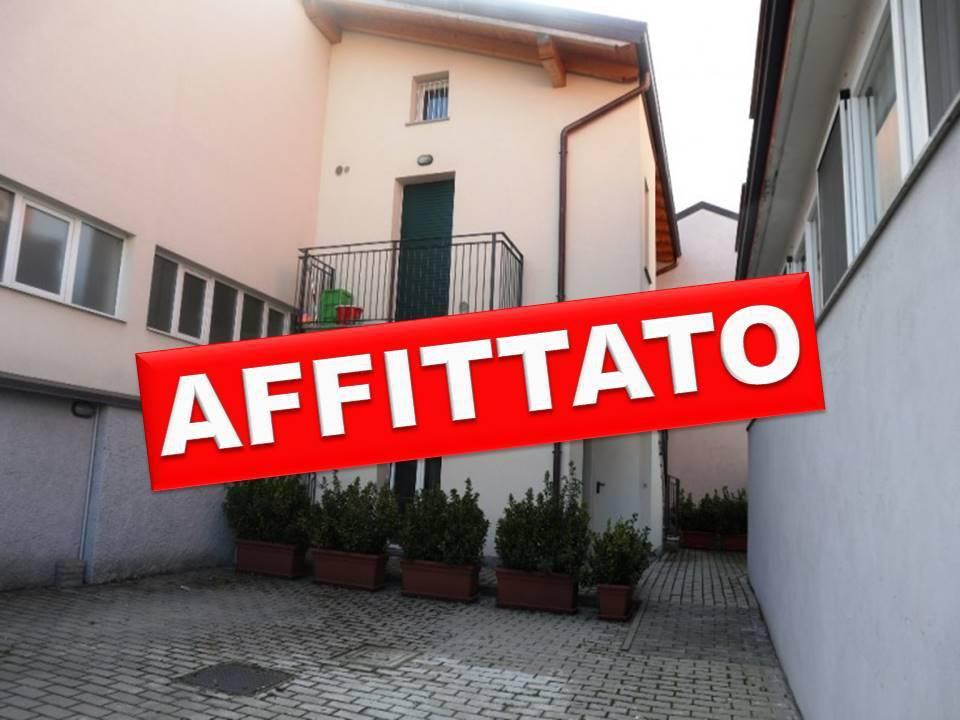 Appartamento in Affitto a Segrate: 2 locali, 50 mq