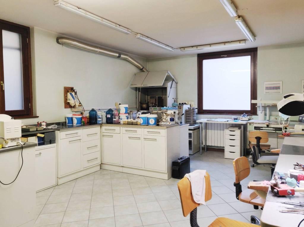 Ufficio / Studio in vendita a Albino, 1 locali, prezzo € 83.000 | PortaleAgenzieImmobiliari.it