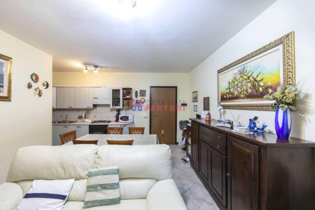 Appartamento in vendita a Pescia, 3 locali, prezzo € 99.000 | CambioCasa.it