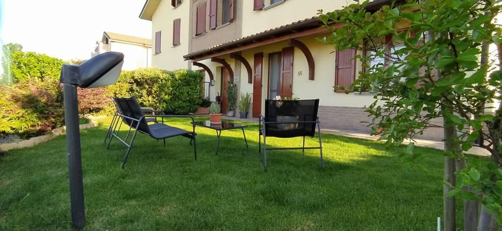 Villa in Vendita a Torrile: 4 locali, 180 mq