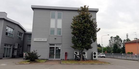 Ufficio-studio in Affitto a Calderara Di Reno Periferia: 5 locali, 135 mq