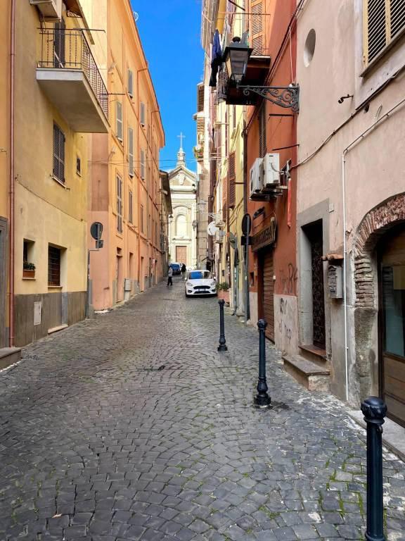 Negozio / Locale in affitto a Albano Laziale, 2 locali, prezzo € 850 | CambioCasa.it