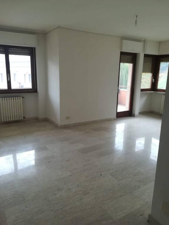 Appartamento in vendita a Borgo San Dalmazzo, 5 locali, prezzo € 140.000 | CambioCasa.it