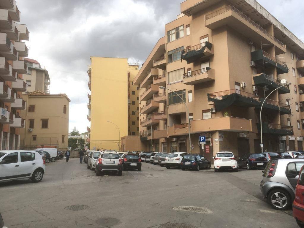 Appartamento in Affitto a Palermo Semicentro: 2 locali, 40 mq